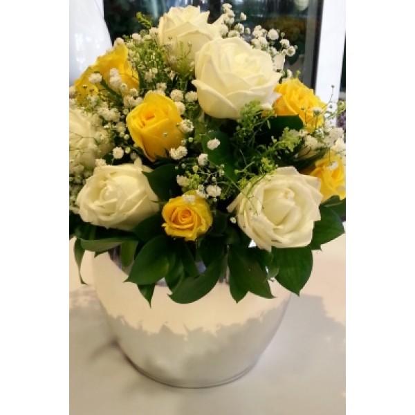 Ασημί κεραμικό με τριαντάφυλλα